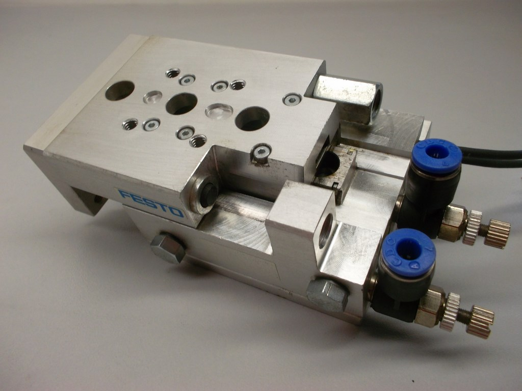 Guided Pneumatic Linear Actuator, bore size 10mm, stroke 20mm, sensors Balluff, condition 95%